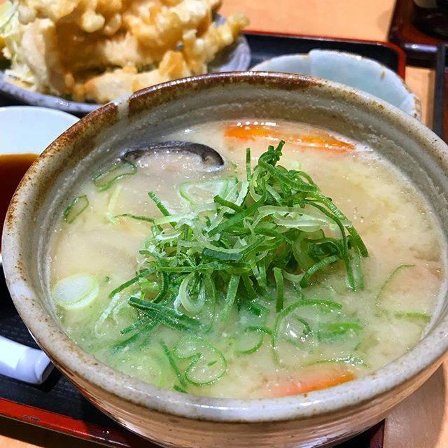 """Tomofumi Hino on Instagram: """"#だんご汁#驛亭 (えきてい)大分県の郷土料理。ダシはいりこ。"""" (876206)"""