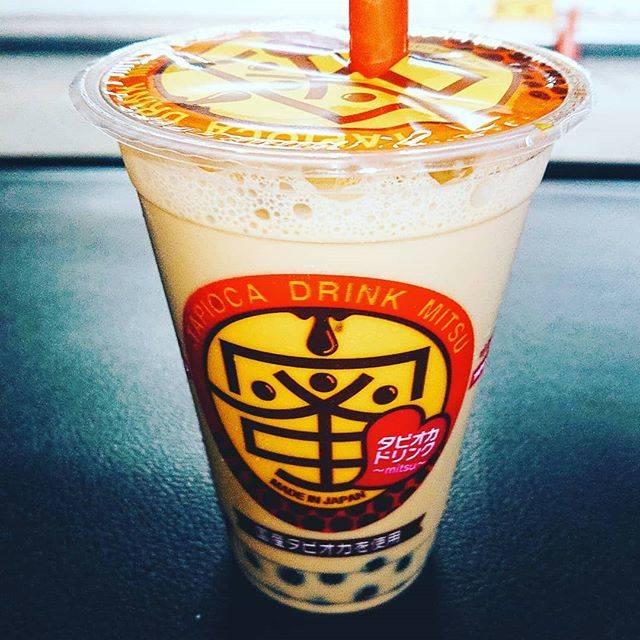 """hasegawa on Instagram: """"今日博多区のドン・キホーテへ買い物に長男がはまっているタピオカドリンクが🥤上川端にあるお店だそうで。世の中タピオカブームですね!因みに我が家の冷凍庫にはタピオカが😅#タピオカ #タピオカドリンク #タピオカドリンク蜜 #ドンキホーテ #博多区西月隈 #タピオカブーム"""" (876232)"""