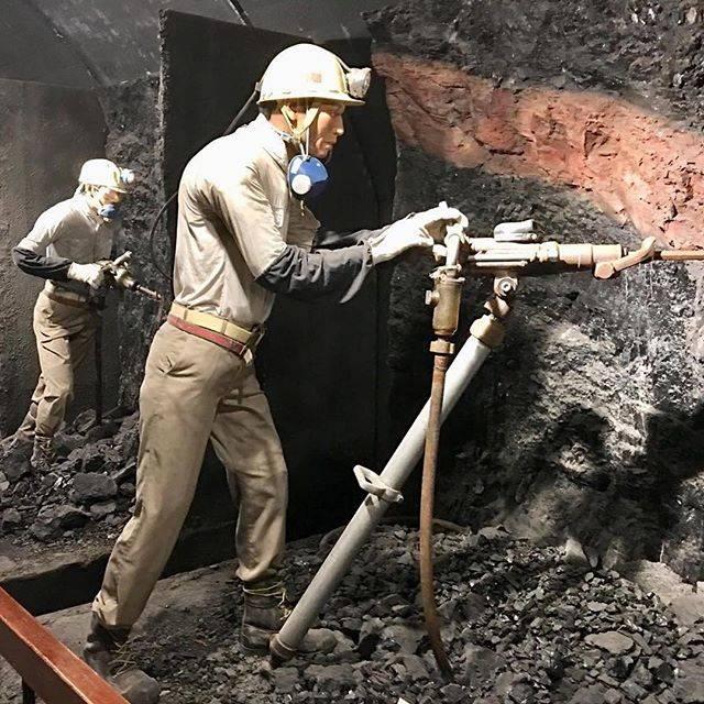 """World Mining Heritage on Instagram: """"@hisa_fukuyama  #夕張 #yubaricoalmuseum #yubaricoalmine #yubaricoalminemuseum #夕張市 #夕張市石炭博物館 #石炭の歴史村 #ゆうちゃん #夕張 #北海道 #石炭 #yubari #hokkaido"""" (876551)"""