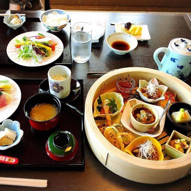 """ももも大分 on Instagram: """"#大分#高城#ふぐ#ふぐ刺し #良の家 #良の家大分店 #懐石料理 #ランチ"""" (877371)"""