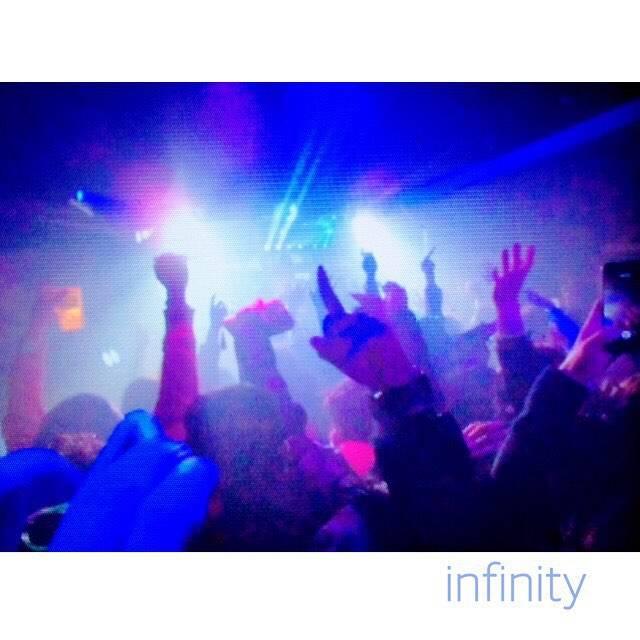 """佳奈美 on Instagram: """"2016年🙌💕A Happy New Year❤❤#club_infinity盛り上がりまくってます💯✨**#infinity福岡#カウントダウン"""" (877614)"""