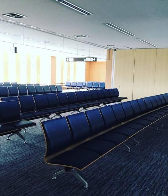"""Yoshiko Kuzuoka on Instagram: """".#帯広空港 に国際線フロアが!..まだ、運行はしてないのかな??#いってきます♡#目指すは鎌倉#12時に着いて14時20分の式に出るよw"""" (878655)"""
