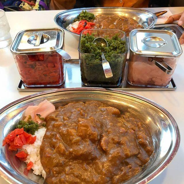 """Etsumi Ogino on Instagram: """"お食事シリーズ その2  シリーズだったのか?帯広市民?のソウルフード、インデアンカレー。お店に連れて行ってもらいました。普通に美味しい。すごい安い。量が多い。かなり濃い。ガリと合う。たぶんまた食べたくなる。  #インデアンカレー #帯広"""" (879038)"""