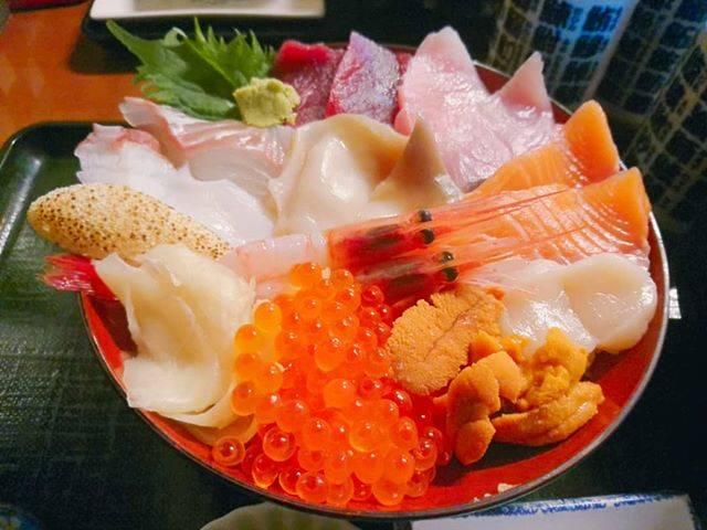 """りこ(食べアカ) on Instagram: """"#苫小牧 #海鮮 #食べログ #ぷらっと食堂コスパよすぎる!"""" (879597)"""