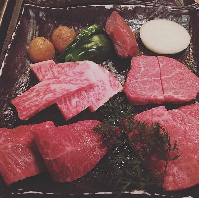 """あんこきなこ on Instagram: """"・高級お肉 やわらかーい 会社の集まり 美味しかった・#ログハウスびび #苫小牧"""" (879617)"""