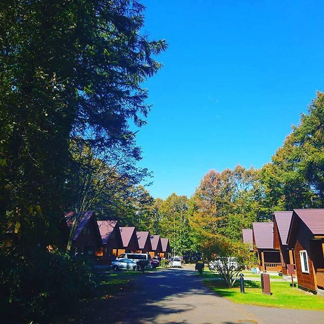 """Katsufumi Kurabe on Instagram: """"コテージキャンプは楽だと確認。3日位ぼーっと過ごしたい(笑)しかし天気良かったなー🎵#アルテン #コテージ #キャンプ"""" (880178)"""