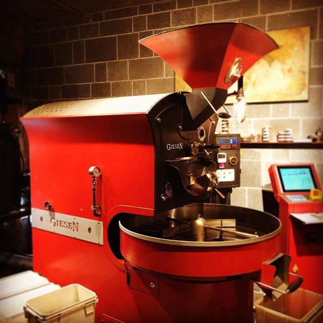"""Tokado Coffee (豆香洞コーヒー) on Instagram: """"4月11日 土曜日  白木原店は豆の販売、物販、お飲みのテイクアウトの営業です。 11:00〜19:00 (テイクアウトのラストオーダーは17:30)  博多リバレインモール店は臨時休業中です。  白木原店、インターネット通販で、…"""" (880908)"""