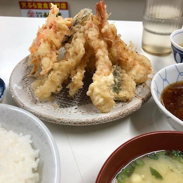 """おぎにゃん on Instagram: """"海老天付天ぷら定食#今日の夕食 #天ぷら定食ふじしま"""" (881337)"""