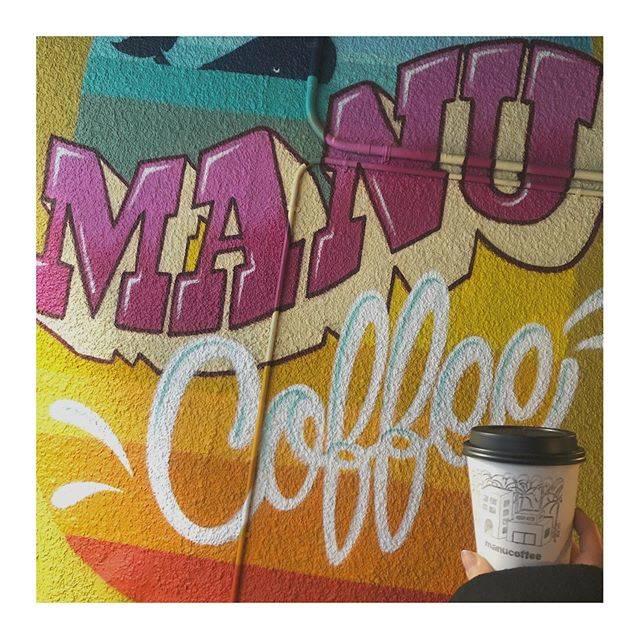 """ト ダ ア ヤ ネ on Instagram: """". . manu coffeeでmanu latte☕️ . #福岡 #福岡カフェ #薬院 #薬院カフェ #カフェ #カフェ巡り #マヌコーヒー #マヌコーヒークジラ店 #外観可愛い #いいね返し  #fukuoka #fukuokacafe #cafe #yakuin…"""" (882138)"""