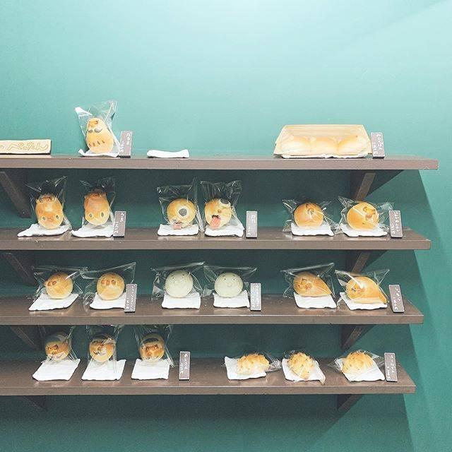 """유카 ︎☺︎ on Instagram: """"..全部に顔ついてて可愛い🤍味も色々あって悩んだな〜..#パン屋のぺったん #朝ごパン"""" (882458)"""