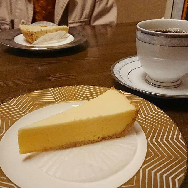 """くりのり on Instagram: """"*しっかりどっしりしたチーズケーキ😋🧀#ブレリーズ#チーズケーキ#福岡カフェ"""" (882619)"""