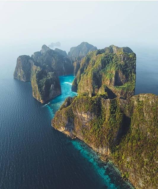 アマンダン海に浮かぶ秘境の島々「ピピ島」