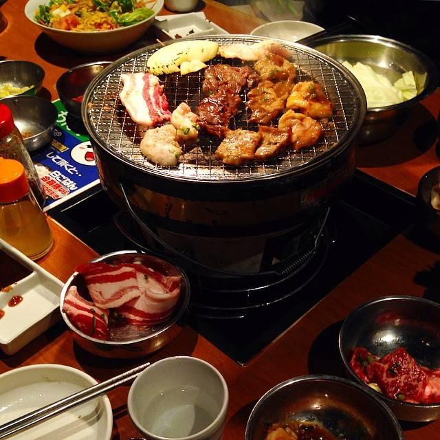 "Chalee Foodstep on Instagram: ""3..2..1...grill !! 🔥🔥 #yakiniku #meatlover"" (882764)"