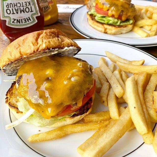 """ゆうき on Instagram: """"#チーズバーガー #ハンバーガー #バーガーマニア #バーガーマニア恵比寿 #恵比寿グルメ #恵比寿 #恵比寿ランチ #ebisu #hamburger #burgermania #cheeseburger #時差投稿"""" (882946)"""