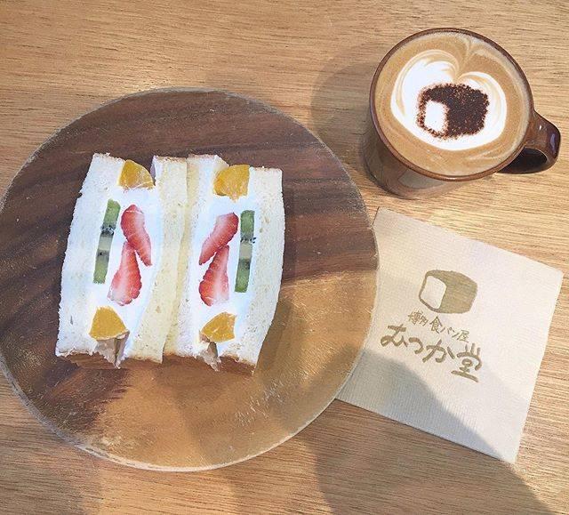 """sawa's Instagram photo: """"・これ、ずっと食べたかったんだあ家族みんなで食べれたんだあ美味しかったなあ幸せだったなあ #福岡カフェ #博多カフェ  #むつか堂"""" (884978)"""