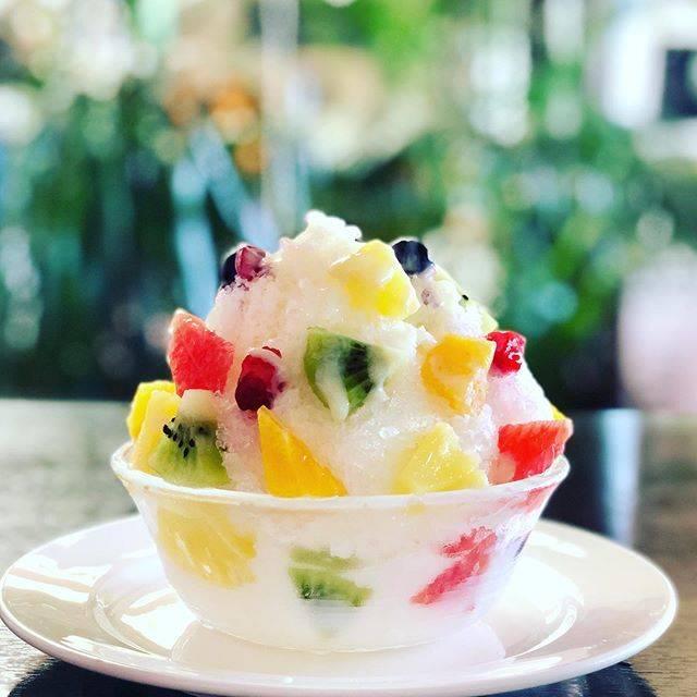 """Sarry's Cafe サリーズカフェ on Instagram: """"練乳氷の中にバニラアイスを隠してあります😁***抹茶小豆*マンゴー*しろくま#しろくまかき氷 #サリーズカフェ#サリーズカフェスタグラム#カキ氷#用宗#用宗港#用宗カフェ#"""" (885143)"""