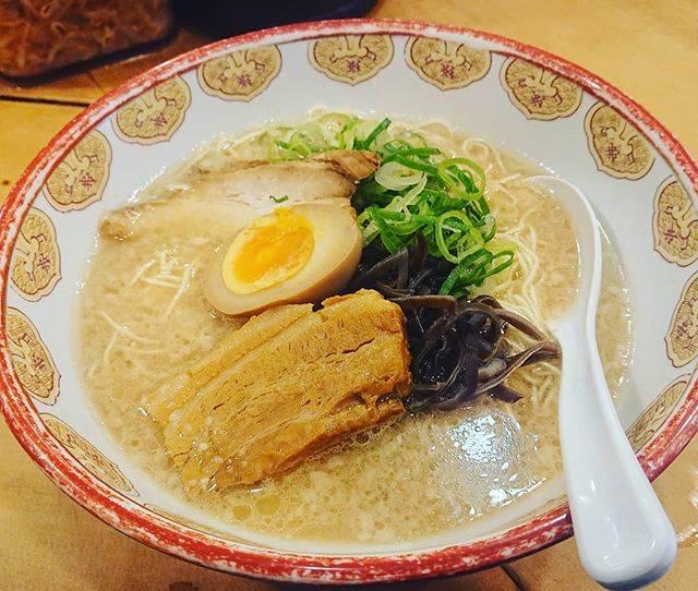 """Kazuma Araki on Instagram: """"そう言えば。この前、行徳行った時に駅前で発見したから試しに入ってみた!然屋って店。博多ラーメン屋。けっこうおいしかった。特にチャーシューがうまかった!もちろん固さはカタ!替え玉もカタ!また今度行ってくる!#ラーメン#博多ラーメン#然屋#行徳#千葉"""" (886037)"""