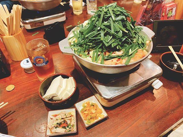 """蜜兒💖Miier on Instagram: """"你們有吃過內臟鍋嗎?如果去福岡一定要吃吃看!福岡的俊男美女特別多,因為內臟鍋有豐富的膠原蛋白呀!到現在還在懷念這無法形容的美味😋不吃內臟的Yuuna帶我去吃內臟鍋都我在吃內臟所以我才這麼漂亮吧?#もつ鍋専門店 #元祖もつ鍋楽天地  #福岡 #內臟鍋"""" (886995)"""