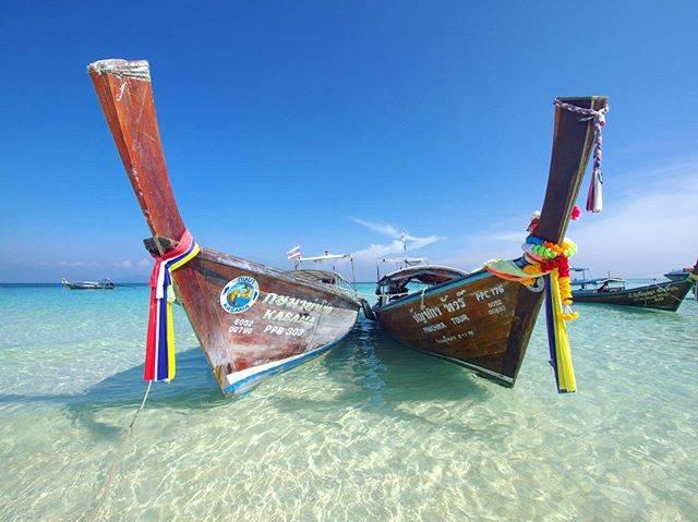 "makoto yamaguchi on Instagram: ""🌟ピピ・バンブー島へ行こう🏝《ピピ島+バンブー島ツアー》🌟 . 6個あるピピ島の1つバンブー島は、真っ白な砂浜が広がり遠浅のエメラルドグリーンの海がキラキラしているインスタ映えスポットですよ💕 .…"" (888189)"