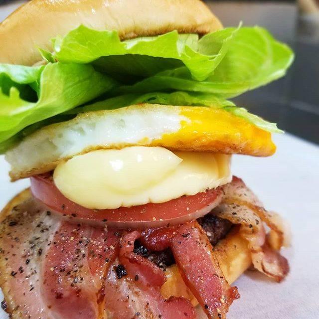 """SaseboBurger☆BigMan☆佐世保バーガー☆ on Instagram: """"おはようございます❗佐世保バーガーBIGMANです‼️🐘⤴️⤴️ 秋晴れ~🍁✨な週末😆外でのんびりハンバーガーを食べるのにも気持ちいい季節となりました😍🍔☀️ お出かけのお供に佐世保バーガーはいかがですか⁉️😆⭐⭐⭐…"""" (888455)"""