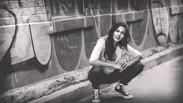 Woman Girl Crouching · Free photo on Pixabay (20398)