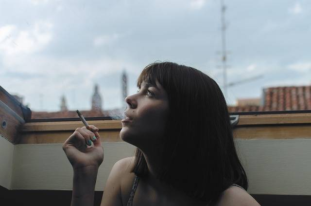 Cigarette Girl Person - Free photo on Pixabay (88939)