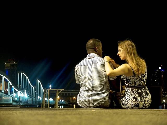 Barcelona Night Couple - Free photo on Pixabay (95923)