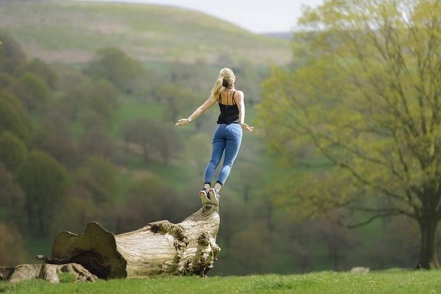 Woman Meditating Buddhism - Free photo on Pixabay (112292)