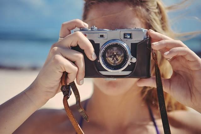 Blonde Girl Taking - Free photo on Pixabay (119250)