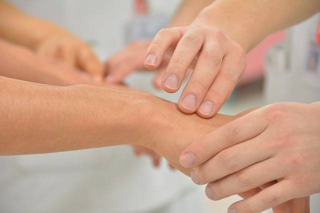 Pulse Hand Health Care Providers - Free photo on Pixabay (131149)