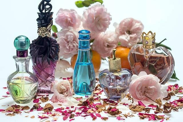 Still Life Roses Perfume - Free photo on Pixabay (154416)