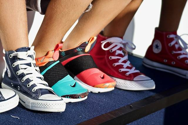 Shoes Sneakers Feet - Free photo on Pixabay (159843)