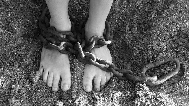 Chains Feet Sand - Free photo on Pixabay (160376)