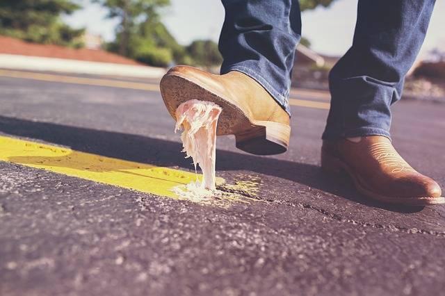 Bubble Gum Shoes Glue - Free photo on Pixabay (160717)