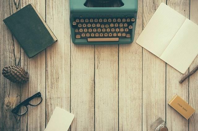 Typewriter Book Notes - Free photo on Pixabay (161013)
