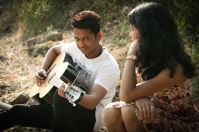 Romantic Singing Guitar - Free photo on Pixabay (168120)