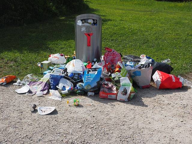 Garbage Can Pollution - Free photo on Pixabay (171062)