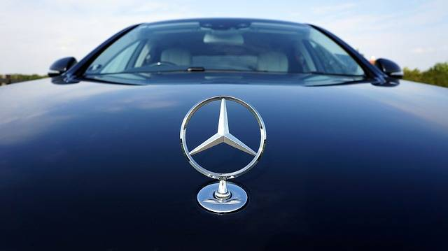 Mercedes-Benz Emblem Auto - Free photo on Pixabay (178807)