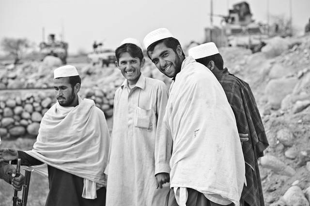 Men People Smiling - Free photo on Pixabay (179774)