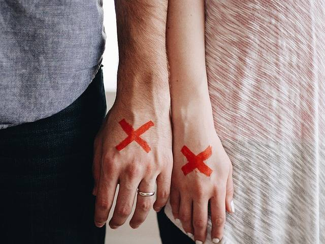 Hands Couple Red X - Free photo on Pixabay (180900)