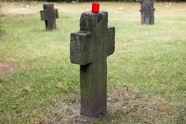 Cemetery Tombstone Cross - Free photo on Pixabay (181070)