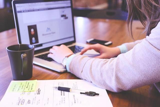 Student Typing Keyboard - Free photo on Pixabay (183338)