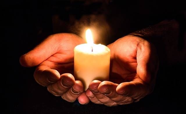Hands Open Candle - Free photo on Pixabay (186998)
