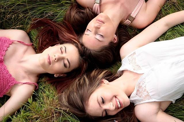 Girls Firends Buddy - Free photo on Pixabay (190442)
