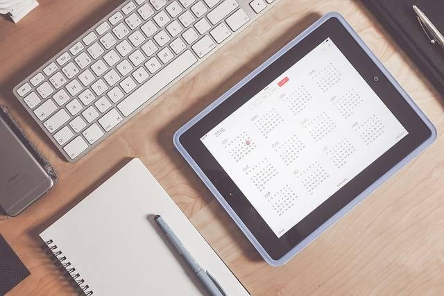 Apple Calendar Desk - Free photo on Pixabay (202335)