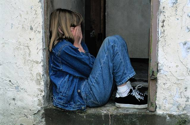 Child Sitting Jeans In The Door - Free photo on Pixabay (208897)