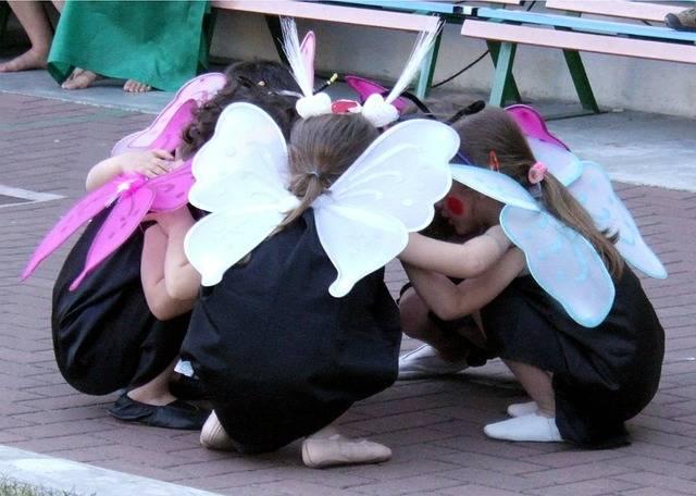 Children Feast Butterflies - Free photo on Pixabay (211649)
