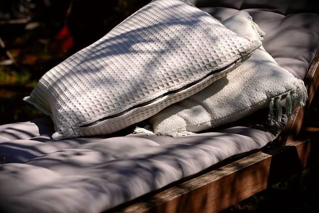 Liège Pillow Cozy Garden - Free photo on Pixabay (214754)