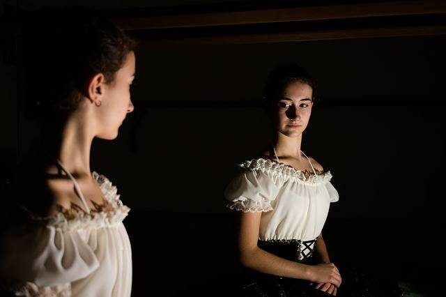 Ballerina Mirror Shadows - Free photo on Pixabay (217105)