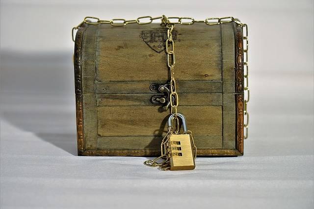 Treasure Chest Chain Castle - Free photo on Pixabay (223131)